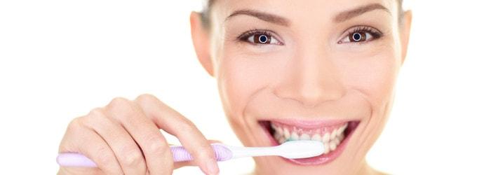 הלבנת שיניים ביתית